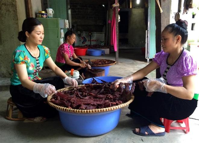 Nghĩa Lộ: Đưa đặc sản thịt trâu sấy ra thị trường - Hồn Việt Store