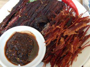 thịt trâu hun khói, thịt trâu gác bếp